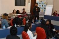 Estudantes participam de curso de iniciação política na Câmara