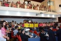 Servidores Municipais da Educação são recepcionados pelos Vereadores