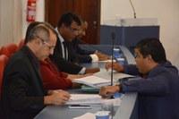 Vereadores aprovam novo piso salarial para servidores do Município